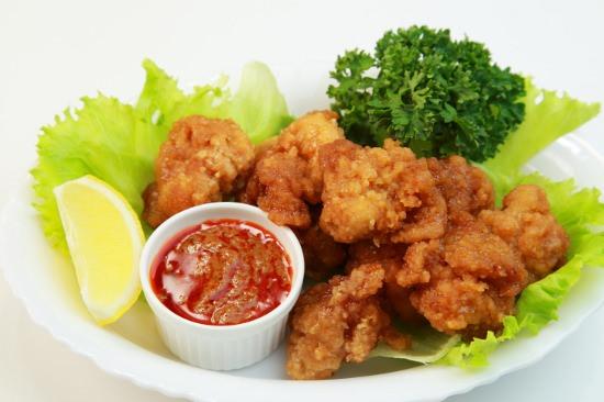 西友の鶏の唐揚げ、食べたら4回連続で下痢に…スーパーやコンビニの惣菜は危険?の画像1