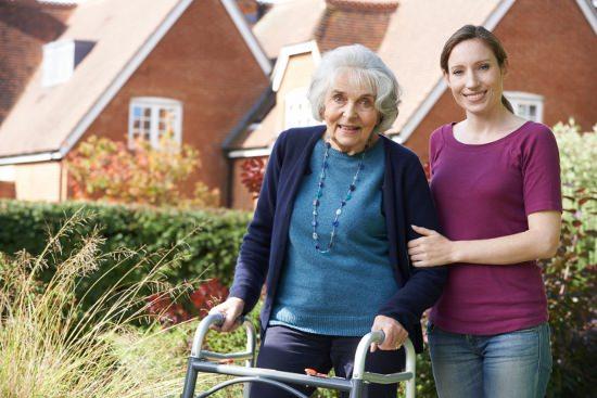 実母と義母が同時に要介護に…増加する多重介護、こうすれば無理なく行える!