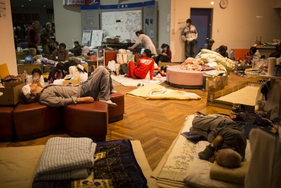 【熊本地震】行政のお粗末対応で被災者飢餓&震災拡大…救援物資を滞留、救援の妨げにの画像1