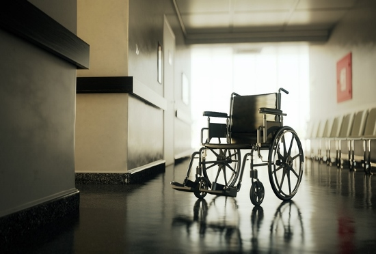 社会の底辺化する介護業界、最低限生存の待遇…人手不足で覚せい剤常習者や犯罪者も就労の画像1