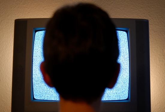 テレビを長時間見る人は短寿命だった!運動しない人は危険、8年後の死亡率が3倍にの画像1