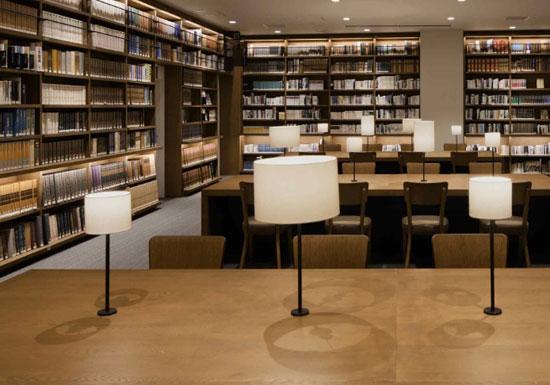 新ツタヤ図書館でまた重大問題発覚!中古本を大量一括購入、本をただのインテリア扱い