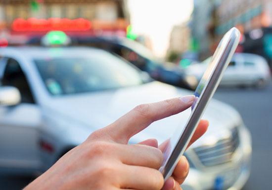 Uberをあっさり超えた中国の配車アプリ、凶悪犯罪多発のまま世界展開…アップルが出資