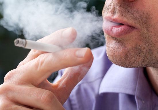 タバコ、室内や服の付着物が強力な発がん性物質放出!受動喫煙の数十倍、数カ月も放出