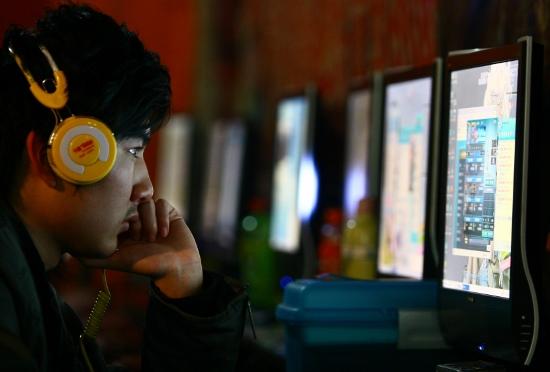 存在すらしない人や情報が氾濫するネットの闇…「無料バンザイ!」で働く場所を失う人々の画像1