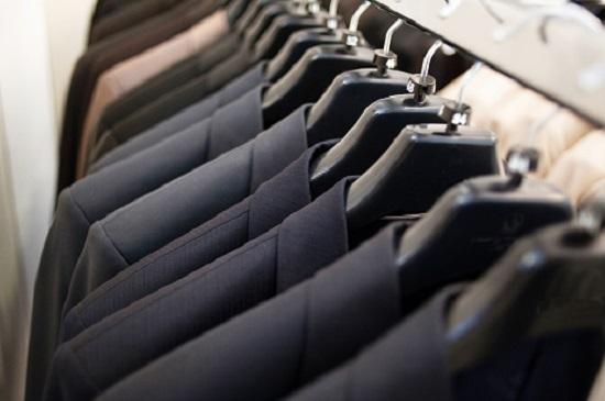 いつもガラガラの紳士服専門店、なぜしっかり儲けている?衰退期突入でも周到な成長戦略の画像1
