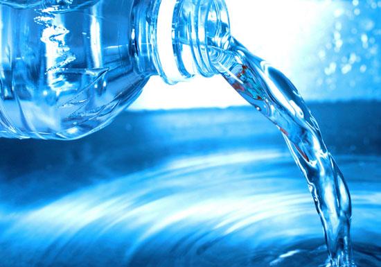 大ブームの水素水、がん予防や美容効果なんてなかった!高額商品も無意味