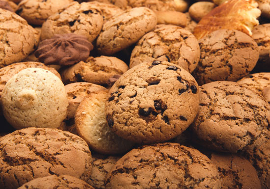 菓子やクッキーは人体に危険!有害なトランス脂肪酸や膨張剤を大量使用、がんや遺伝毒性のおそれ