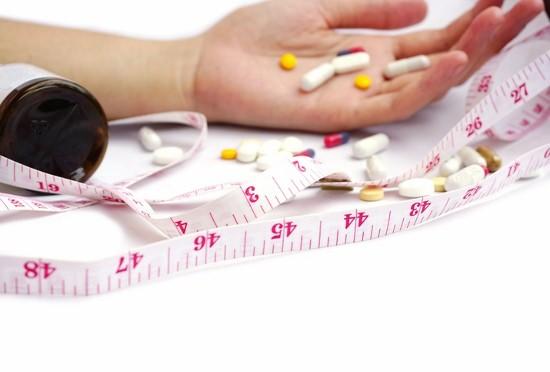 高血圧や高コレステロールの薬はかえって危険!寝たきりやボケを引き起こす!