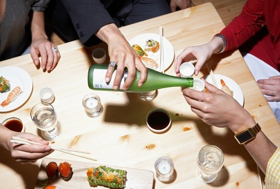 3千円で多彩な日本酒を時間無制限飲み放題の店、なぜ儲かる?店の客もトクするカラクリの画像1