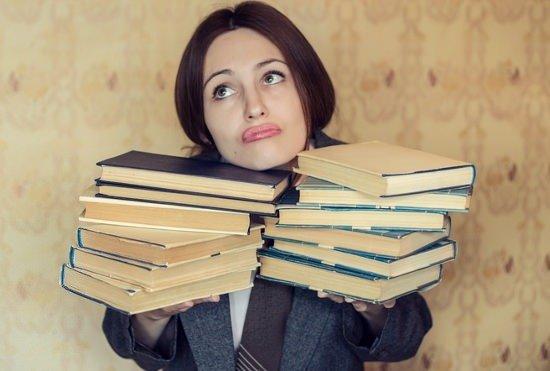 「文系出身者は就活や会社人生で損」は本当?存在意義つくれなければ、ただの雑用係?