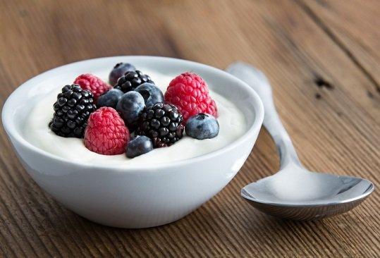 そのヨーグルトの食べ方、健康効果なし?妊婦の腸内細菌数、胎児の脳発達に多大な影響の画像1