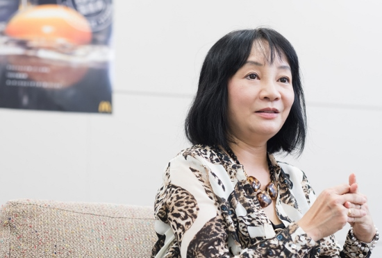 """岩井志麻子の""""差別発言""""批判に疑問も続出…「夫が韓国人、差別とは違う」「風刺」との声の画像1"""