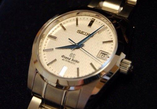 突然の爆買い消滅、腕時計業界が大打撃…インバウンド需要で利益爆増→一転して利益爆減