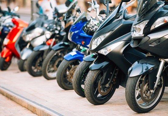 バイクが売れない…販売台数9分の1、原付は「絶滅危機種」、あの「三ない運動」で大打撃の画像1