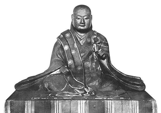 天皇終身制、わずかここ100年の「政治利用」の産物にすぎない?命を賭け民を救った日本の天皇