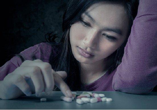 睡眠薬や精神安定剤、服用で認知症や強い依存症の危険…処方量が韓国の20倍の異常さ