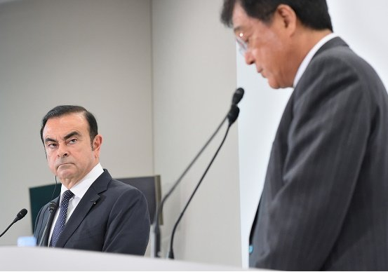 三菱自、益子CEO退任要求噴出でゴーン氏が株主の質問を強制遮断…苛立ち露わ