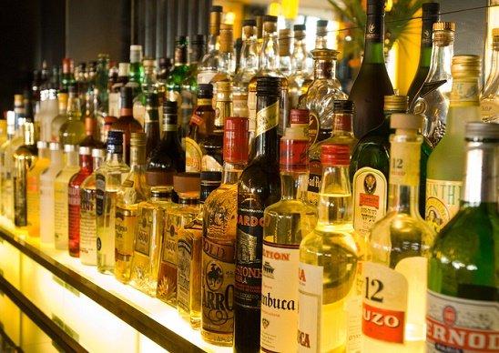 お酒、発がん性リスクがアスベス...