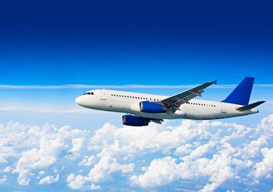 トラブルで客3時間待ちの某航空会社、ビジネスクラス客優先の差別対応は「正しい」のか?