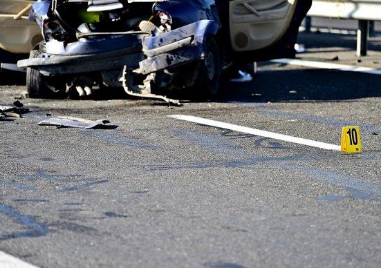 激増する認知症高齢者による交通死亡事故、なぜ釈放・不起訴も?80歳以上の4割免許所有