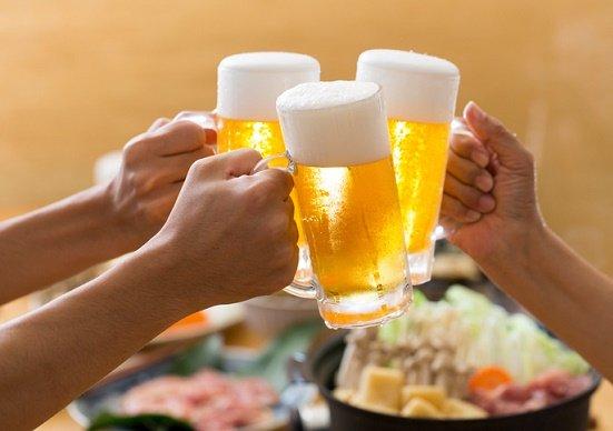 会社の飲み会は「業務」に該当?帰り道での事故が労災認定される条件とは?