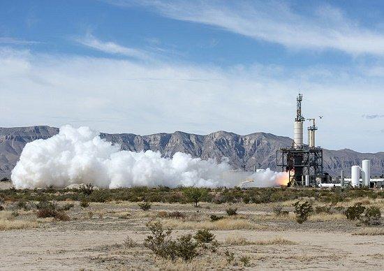 アマゾン、宇宙市場でも破壊的進化…大手から次々受注、超大型ロケットや月輸送計画も
