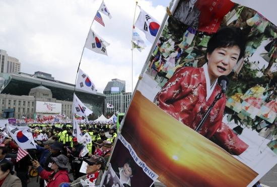 「韓国を出て本当によかった」…韓国、若者の国外脱出激増の兆候、大統領は必ず汚職