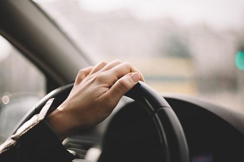 フジ『櫻子さん~』、観月ありさが放送事故か…運転中にハンドル手離し&長時間わき見の画像1