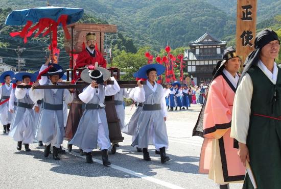 韓国人急増で共存共栄図る「国境の島」、消滅危機との戦い…島民は減少の画像1