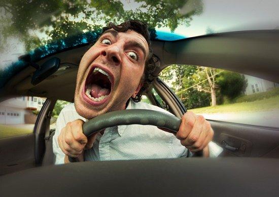 自動車教習所のこんな教官が、尋常じゃなくムカつく!生徒の人格否定、わざわざ悪態