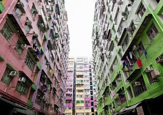 スラム化する郊外とマンションの「現在」…高齢者と空き住戸だらけで修繕もできず