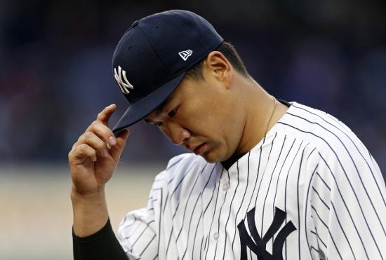 田中将大、大乱調の原因は精神面か…決め球が狙い打ちされる理由、上原浩治と何が違う?