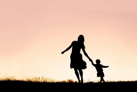 結婚しなくても出産していい…選択的シングルマザーの多大なメリット「結婚より楽」との声もの画像1
