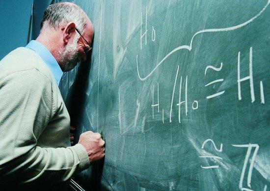 働き詰めでも年収3百万台…下層化する大学講師、過酷労働&インテリ貧乏の実態