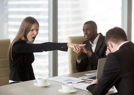 上司の「無自覚パワハラ」が部下を自殺に追い込む…いまだに職場でパワハラが増えている理由