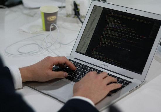 プログラミング、誰もが「知らないでは済まされない」時代突入…未習得だと職失う恐れの画像1