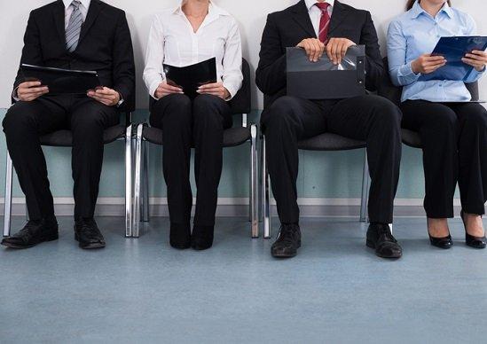 就活、人事担当者の覆面座談会…常識化する「二重選考」「インターン採用」の実態の画像1