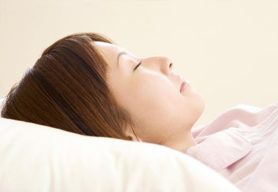 「朝起きられない&疲れが取れない」を劇的に解消する生活習慣リスト!