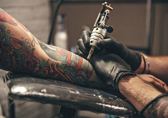 【タトゥー裁判】彫師と検察が真っ向対立!ある日突然「医師法違反」はおかしい!の画像1