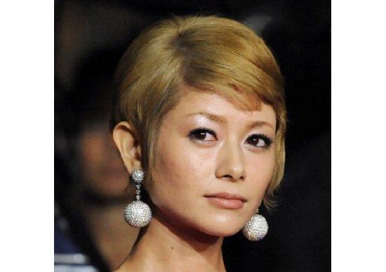 真木よう子が酔って語った、親友・尾野真千子と会社役員の離婚