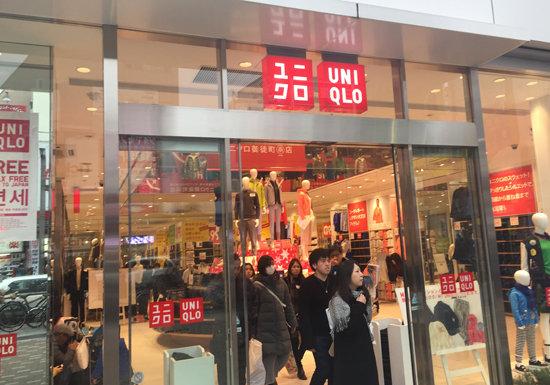 ユニクロ、フィリピンで実質価格10倍でも売れているワケの画像1