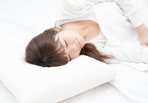 深い睡眠で夏のお疲れボディを立て直す! 医師がすすめる「ぐっすりストレッチ」とは?の画像1