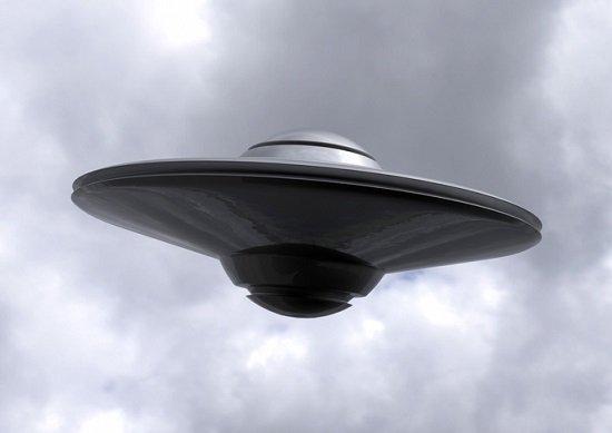 アラスカ上空でパイロットが「UFOに追いかけられた」との報告…国が乗務停止処分に