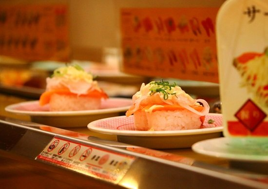 あの回転寿司チェーン、なぜ客が離れてしまった?某コンビニのおにぎりがウマくなった理由の画像1