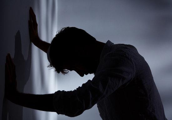 なぜ40~50代男性は自殺するのか?身近の元気な人が突然自殺、こんな兆候は危険
