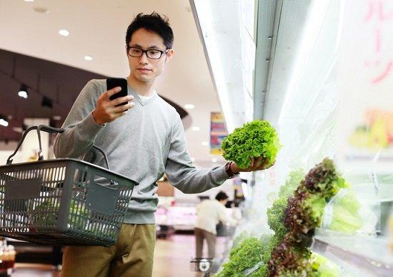 ひたすら自宅で自炊する34歳以下男性たち…モノも買わず外にも出ず:衝撃的動向が判明の画像1