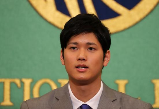 米大リーグに「買い叩かれる」大谷翔平…年俸4分の1以下でマイナー契約か