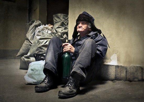 年金は月6万5千円以下…難民化する老人激増の実態の画像1