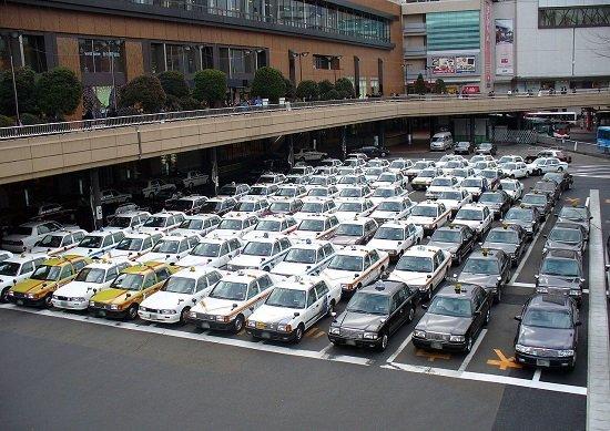 国がタクシー業界を保護してウーバーを規制、国民にとって望ましいことなのか?の画像1